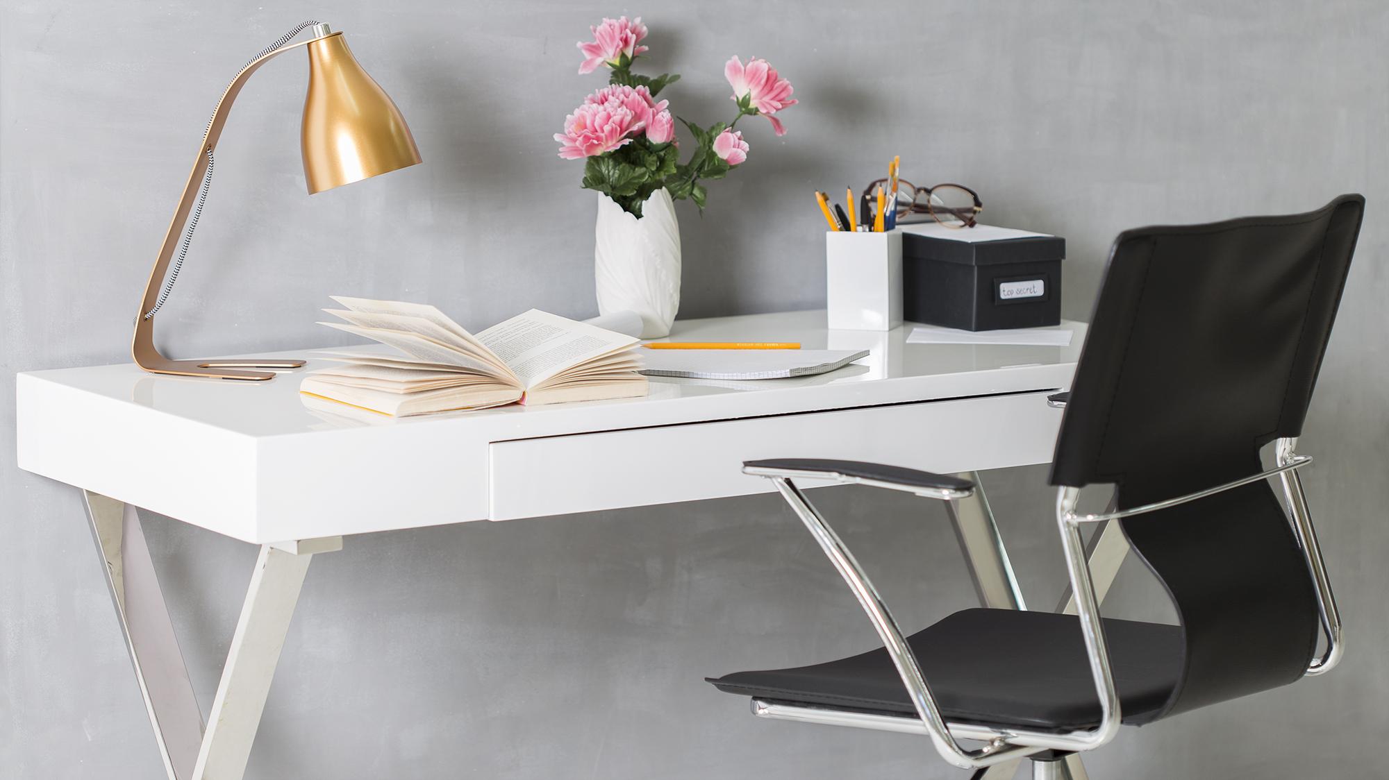 Dalani calendario da tavolo splendido oggetto design for Accessori da ufficio design