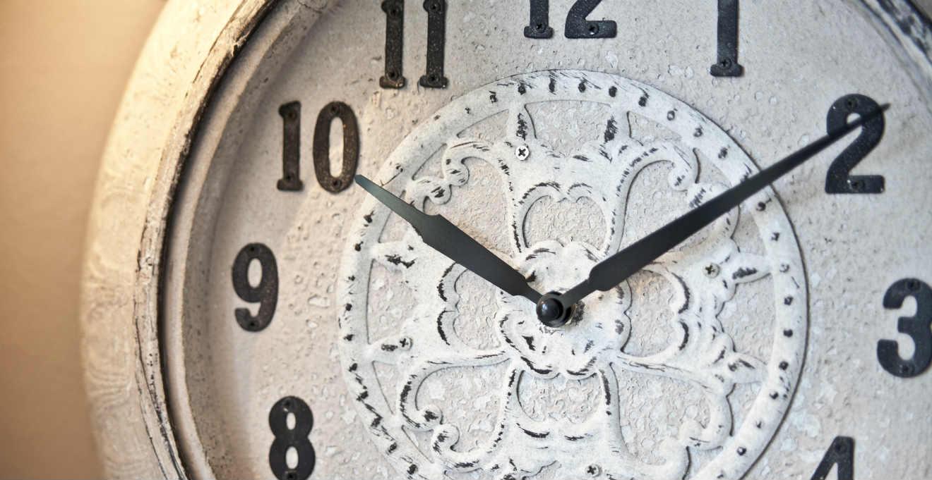 Dalani orologi da parete shabby chic romantici dettagli for Orologio shabby chic