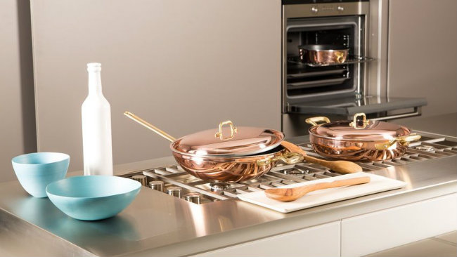 cucina piccola fornelli pentola rame