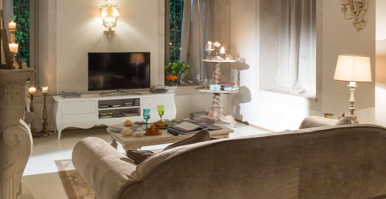 Dalani mensole per il soggiorno accessori di stile for Mensole arredo salotto