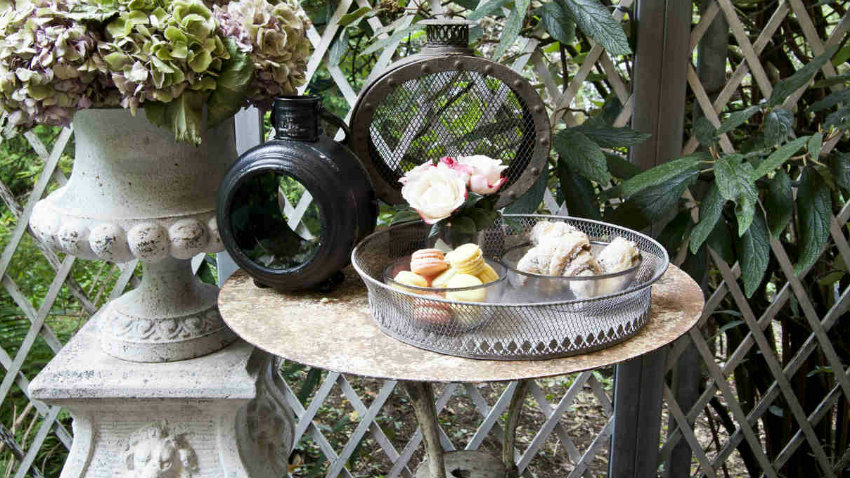 Dalani mobili da giardino in ferro stile senza tempo for Mobili da giardino scontati