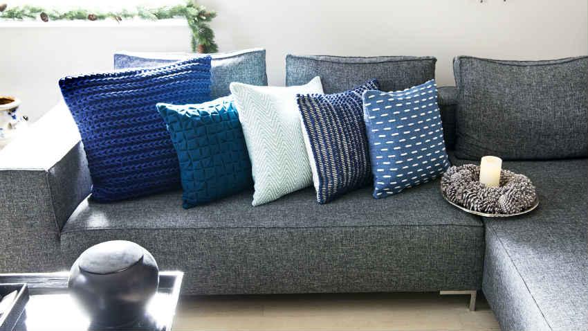 Dalani divani angolari componibili fantasie di tessuto for Cuscini colorati per divani