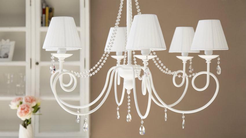 Dalani lampadari classici lo stile intramontabile del vetro - Lampadari ikea camera ...