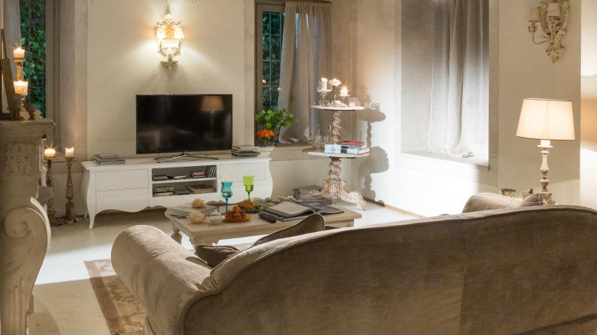 dalani| applique in legno: elegante illuminazione alla parete - Illuminazione Salotto Classico