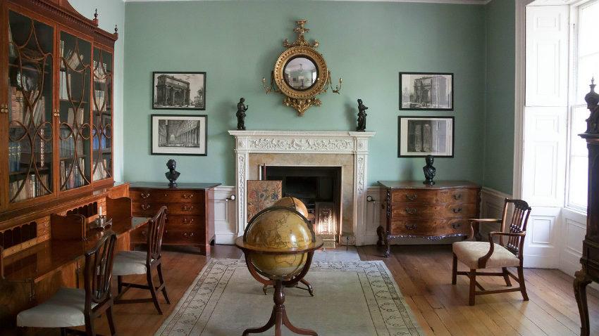 Arredamento antico eleganza storica dalani for Arredamento casa antica