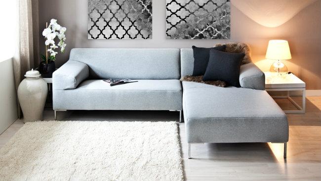 Tappeto Per Divano Bianco : Dalani consigli e spunti per arredare un soggiorno grigio