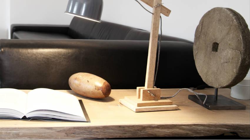Scrivania in legno grezzo