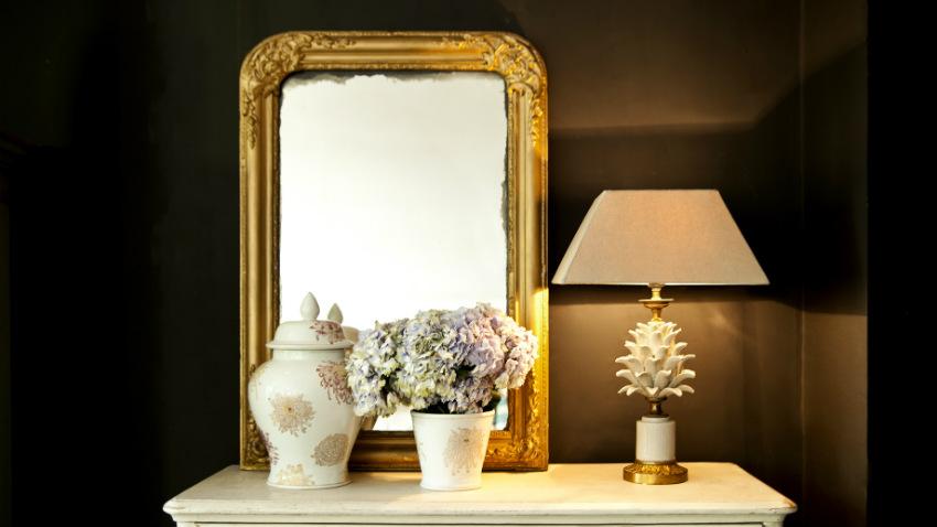 Specchio con cornice barocca
