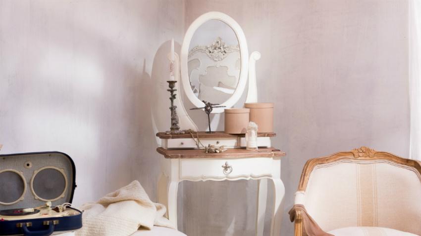 Specchio con cornice bianca