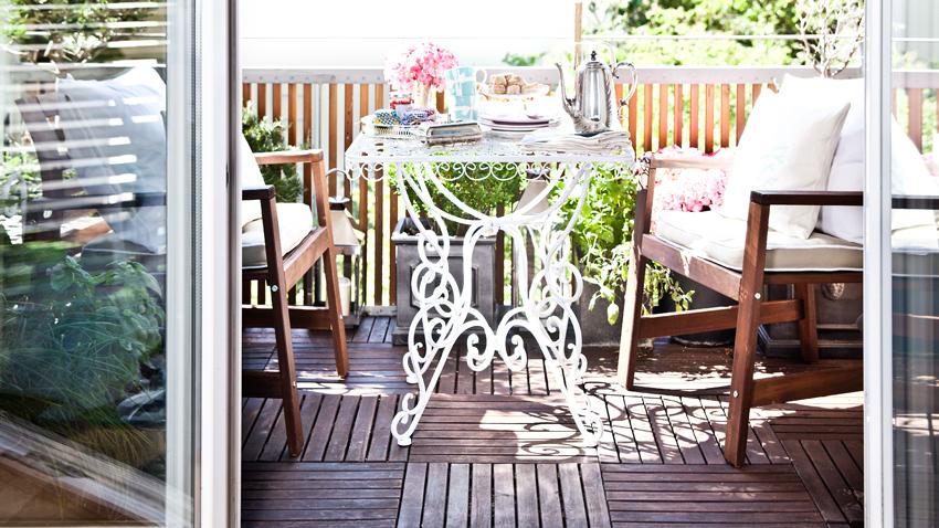 Houten Balkon Meubels : Metalen tuinmeubelen stoer stevig en stijlvol! westwing