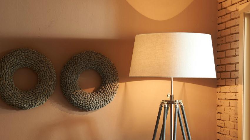 Brocante Slaapkamer Lampen : Een brocante vloerlamp landelijk én romantisch westwing