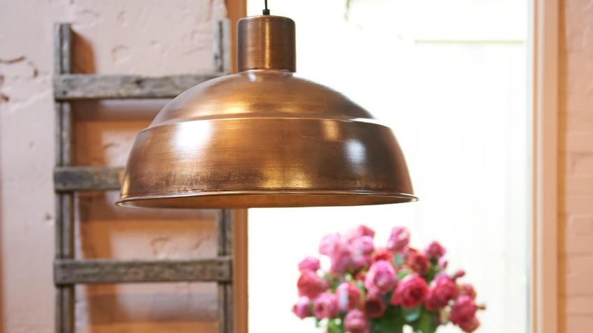 wil je rustiek wonen ga voor bronzen lampen westwing. Black Bedroom Furniture Sets. Home Design Ideas