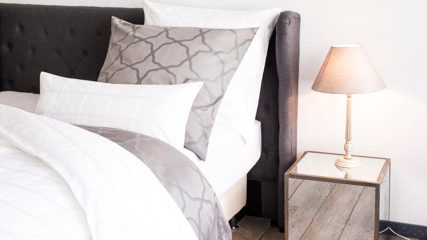 Landelijke Slaapkamer Grijs : Luxury slaapkamer grijs bed boxsprings bedden matrassen