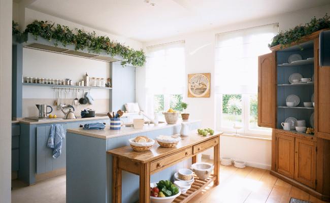 Kuchnia w stylu angielskim na niebiesko