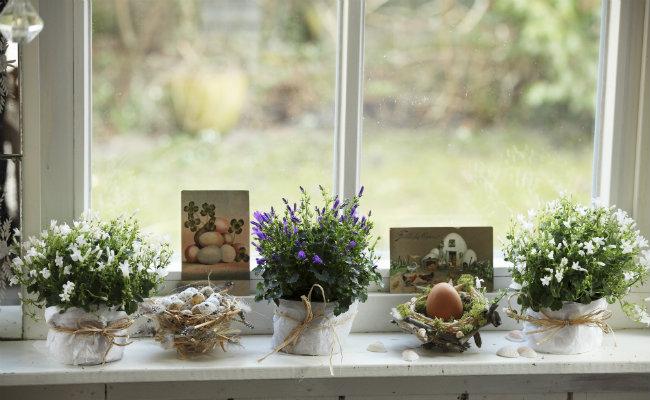 wiosenne dekoracje w salonie kuchni i sypialni westwing