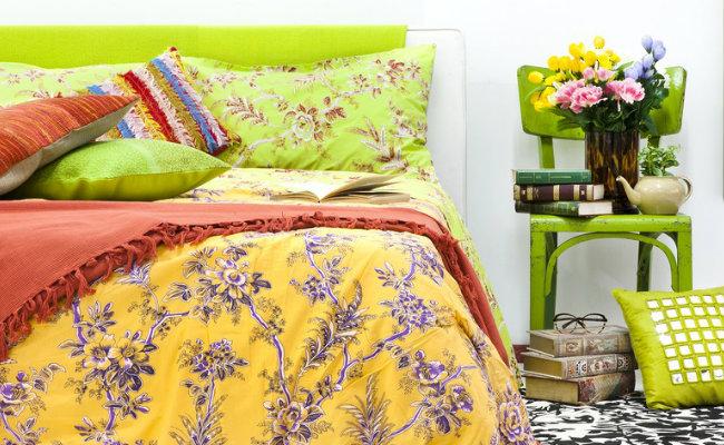 Zielone wiosenne dekoracje do sypialni