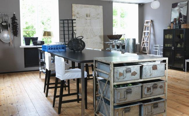 Nowoczesny szary salon w stylu industrialnym