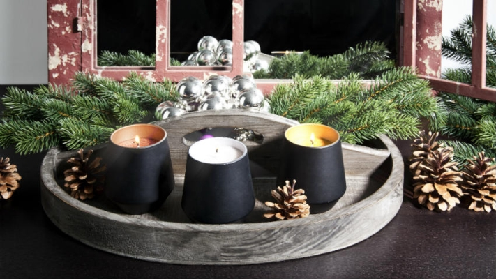 dekoracje z szyszek na święta