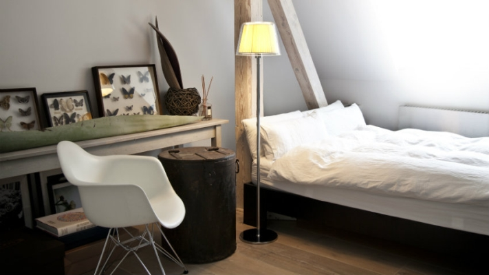 Sypialnia na poddaszu pod skosami