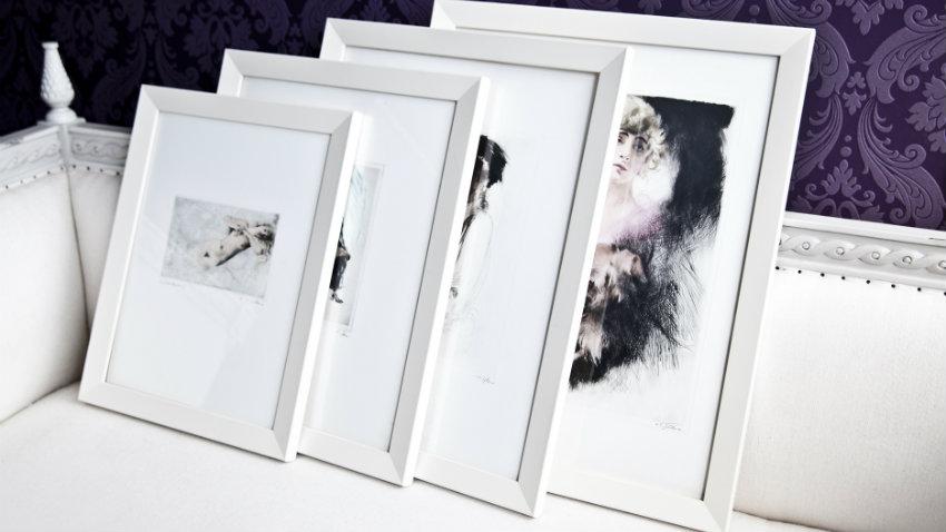 Białe ramki na zdjęcia
