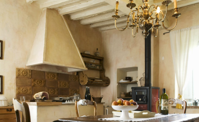 Piec do kuchni w stylu wiejskim