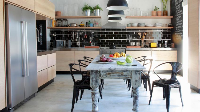 Szafki kuchenne z przesuwanymi drzwiami