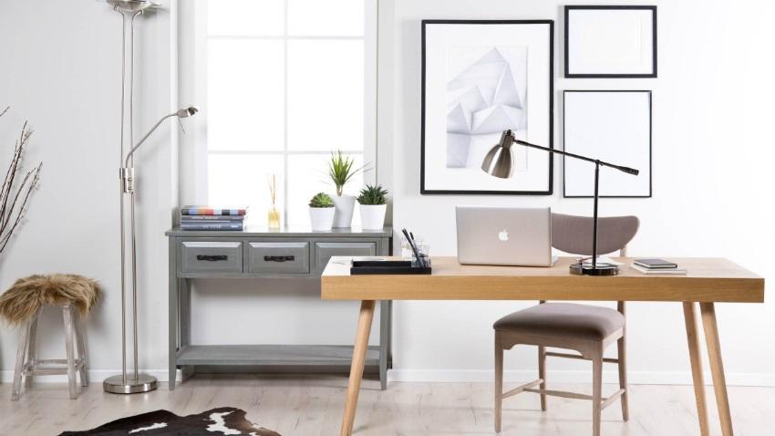 Kancelársky drevený stôl