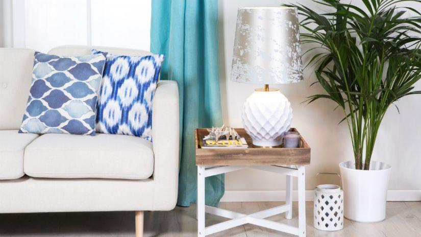 Farebné záclony do obývačky