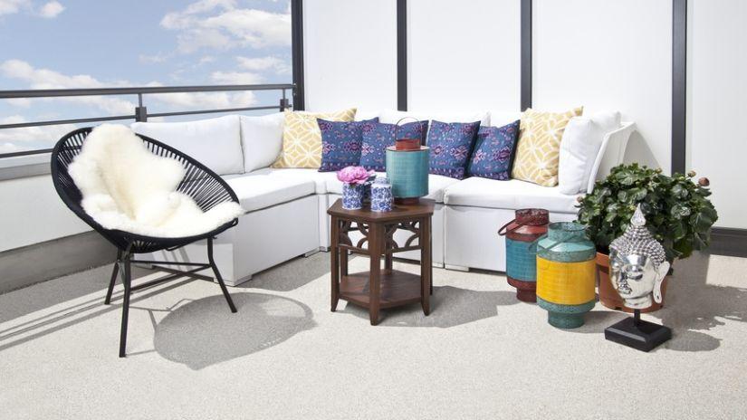 Pohodlná balkónová sedačka