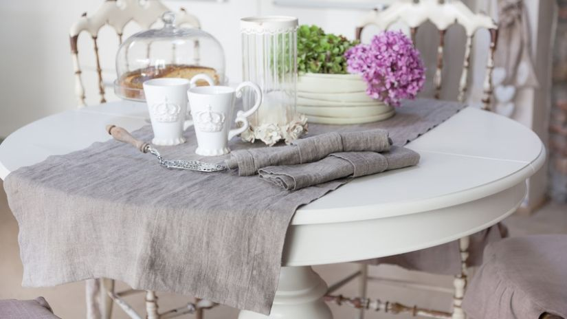 Rustikálny stôl do jedálne