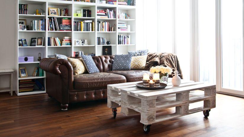 Trendové police na knihy do obývačky