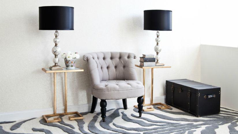 Moderný koberec so zebra vzorom