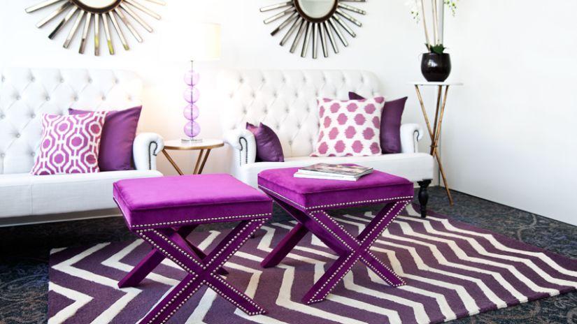 Dizajnový fialový koberec