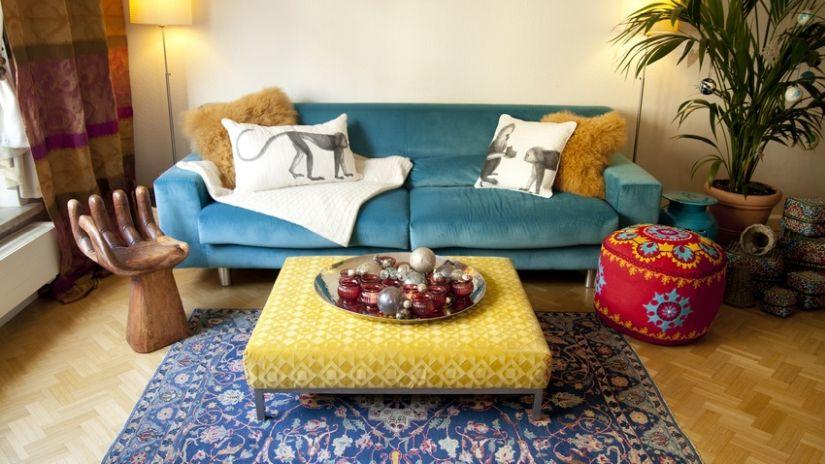 Modrý vzorovaný boho koberec