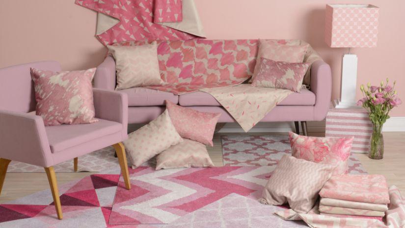 Staro-ružová vintage sedačka