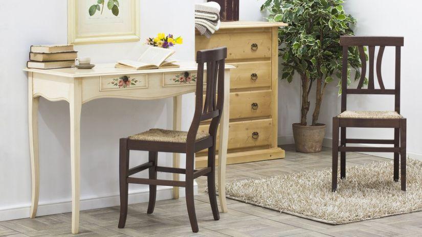 Drevená rustikálna stolička do pracovne
