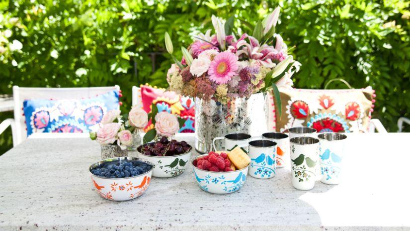 Stoličky do záhrady s dekoračným vankúšom