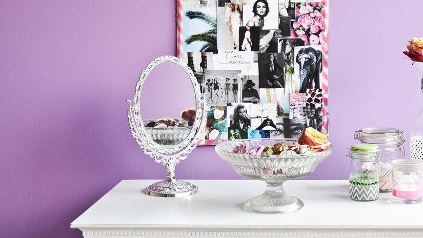 Okrúhle stojace zrkadlo