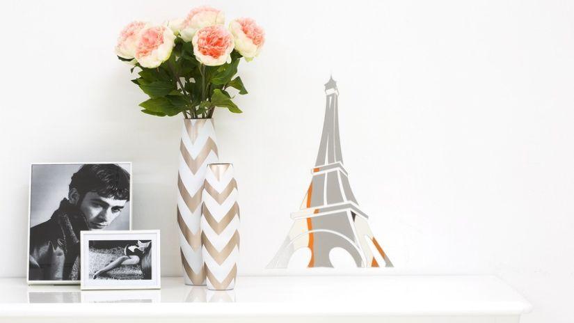 Zlato-biele dekoratívne vázy