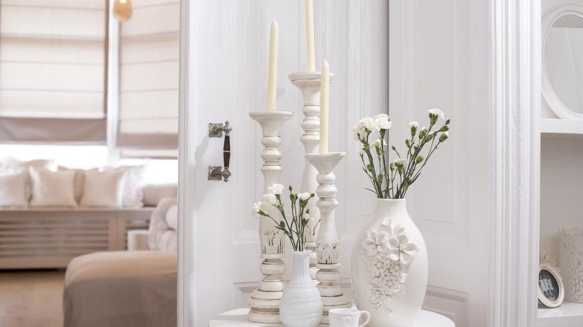 Biele romantické vázy