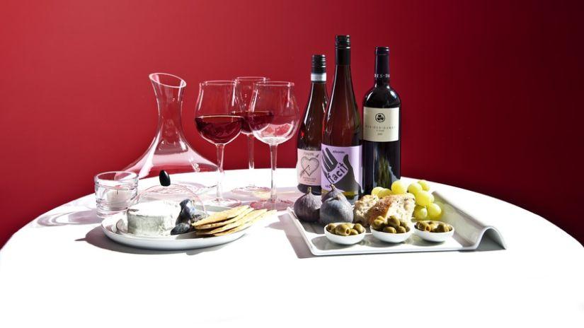 Dizajnová karafa na víno