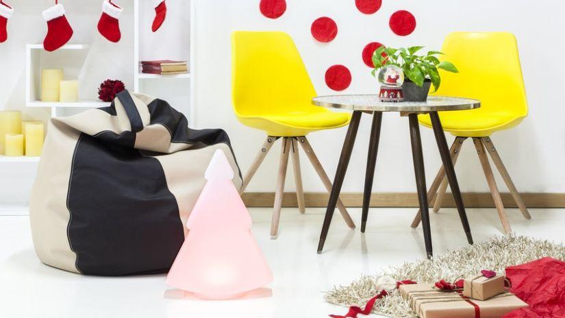 Žlté plastové trendy stoličky