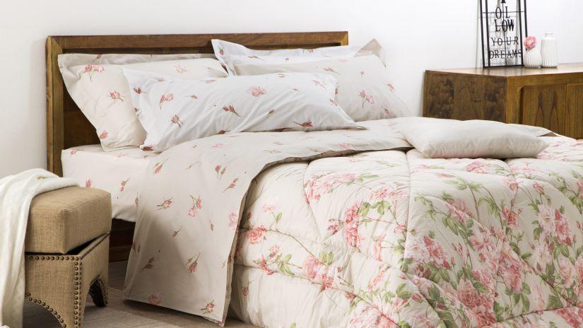 Trendy prírodná posteľ z masívu