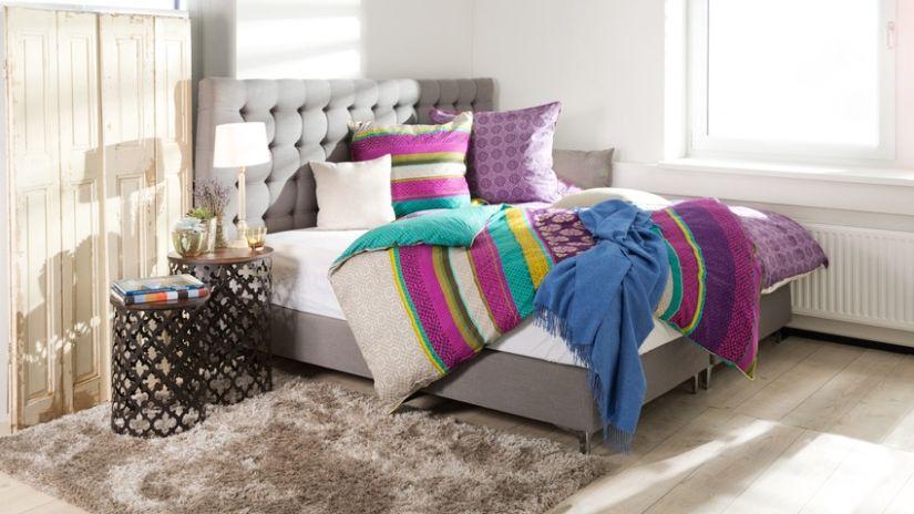 Americká boxspring posteľ s úložným priestorom