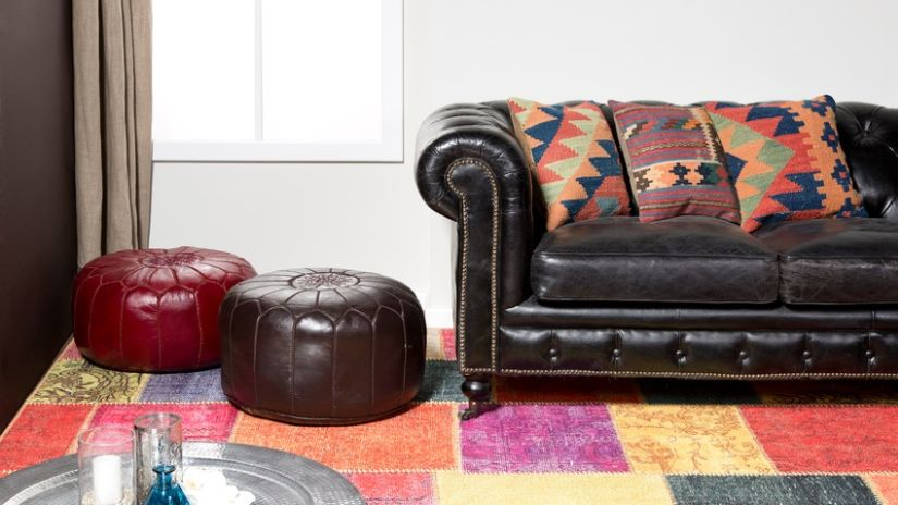 Luxusná čierna kožená sedačka
