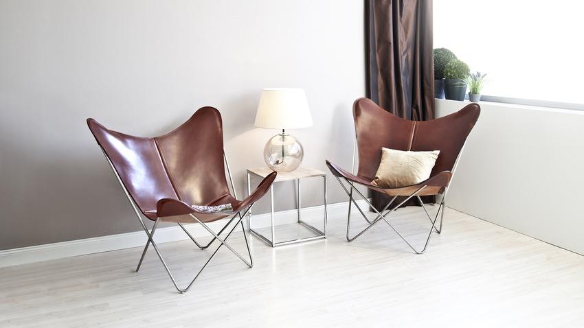 Dizajnérske hnedé kožené stoličky