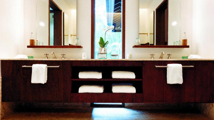 Drevená skriňa do kúpelne