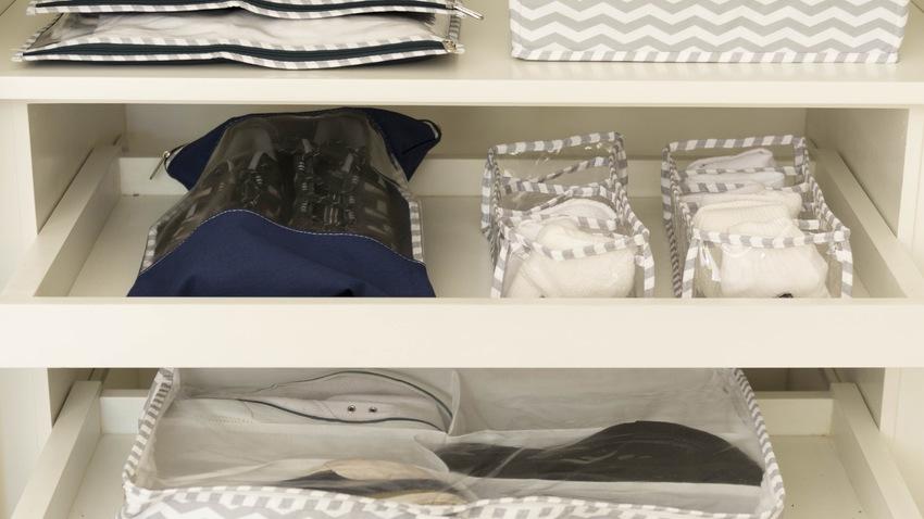 Vstavaná šatníková skriňa do spálne
