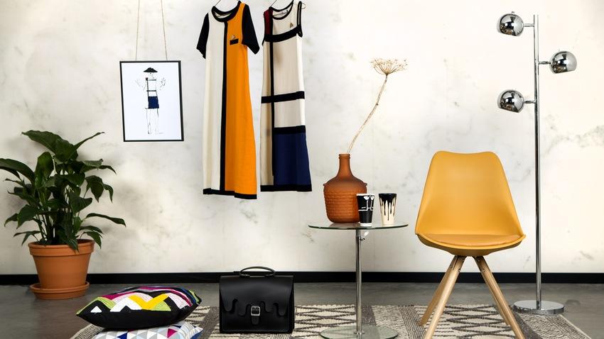 Tmavožltá kožená stolička