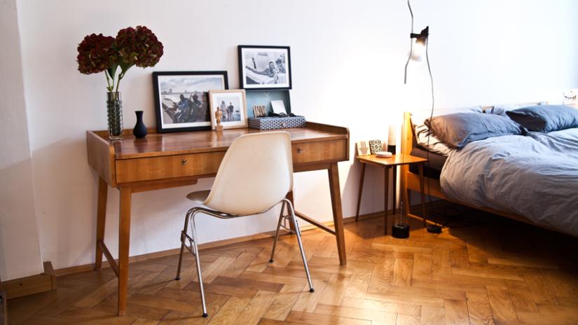 Vintage drevený stolík